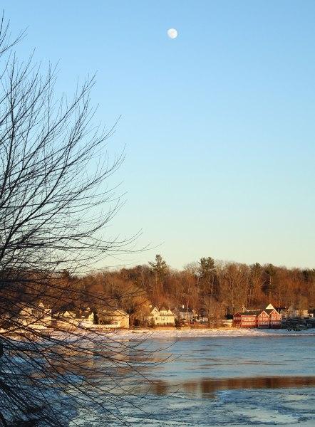 moon-over-the-Merrimack-River